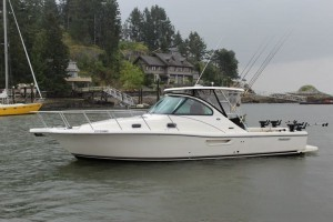 31ft pursuit express ready to head out on a charter