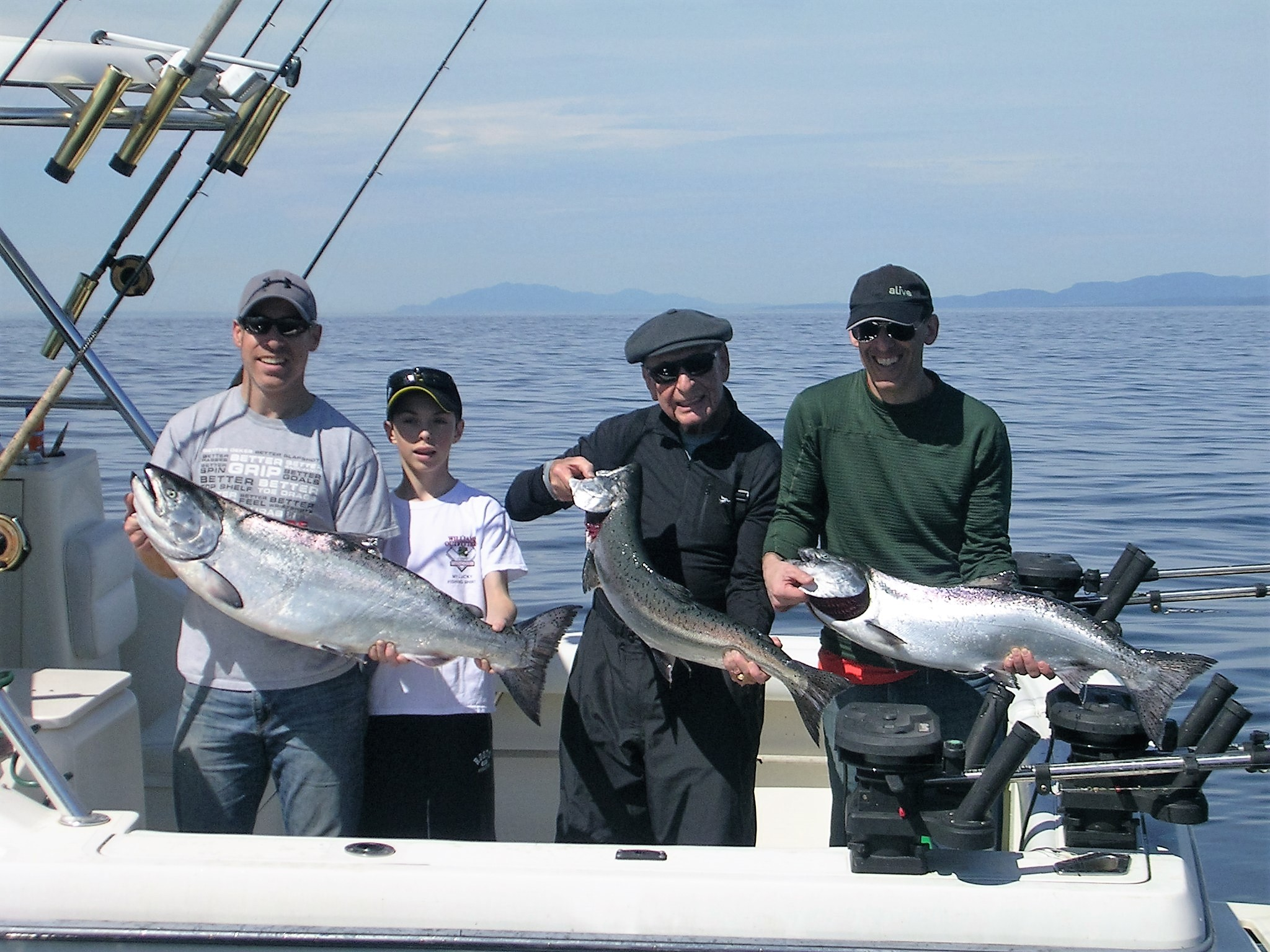 salmon-fishing-Vancouver-report-group2-April19-2016